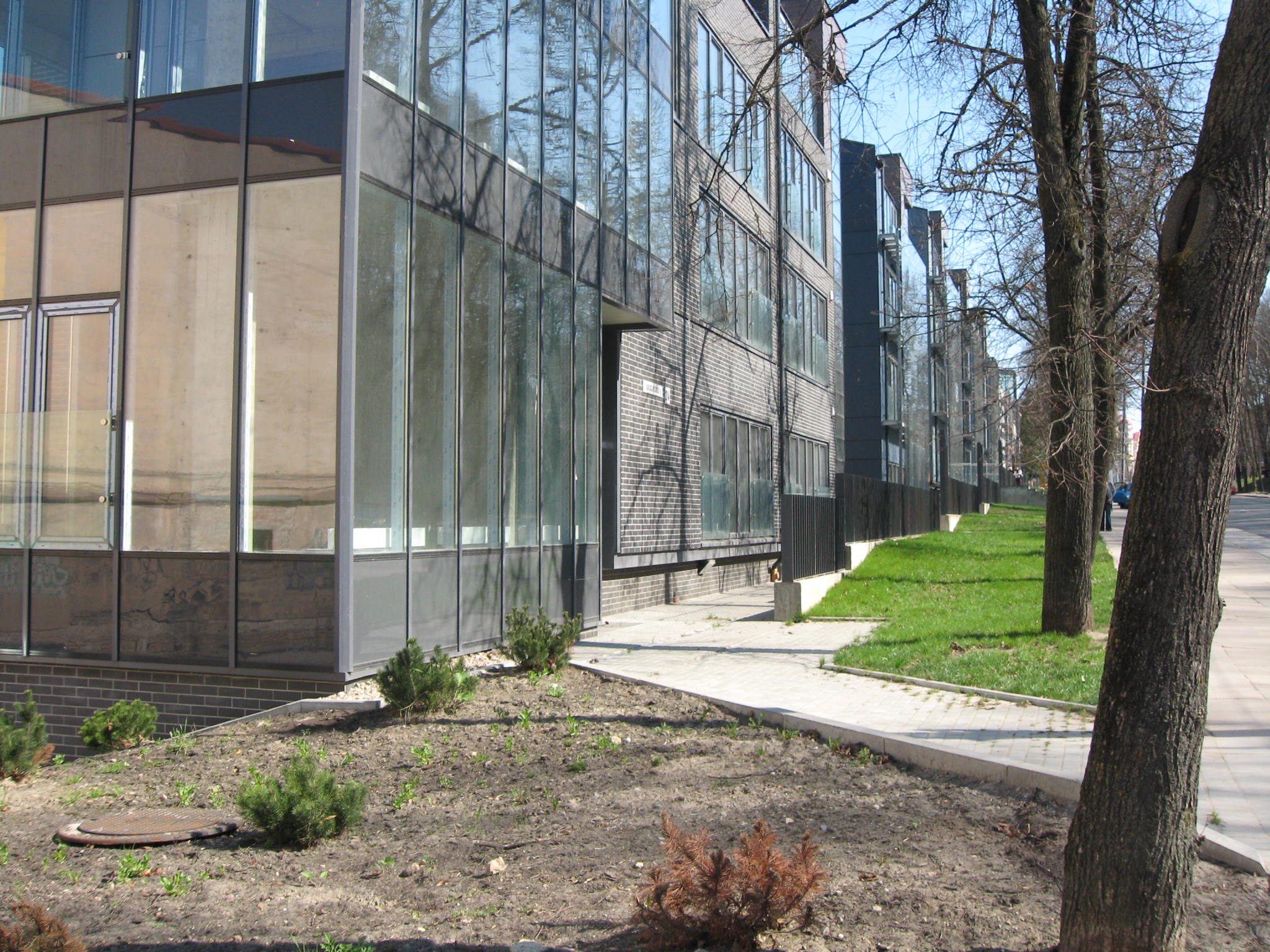 3 nuotrauka ant skydelio (T. Kosciuškos 24 gyven ir adm pastatas)